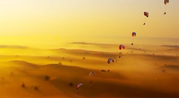 crazy_new_extreme_sport_paramotor_pilots_racing_over_dubai_skyracers