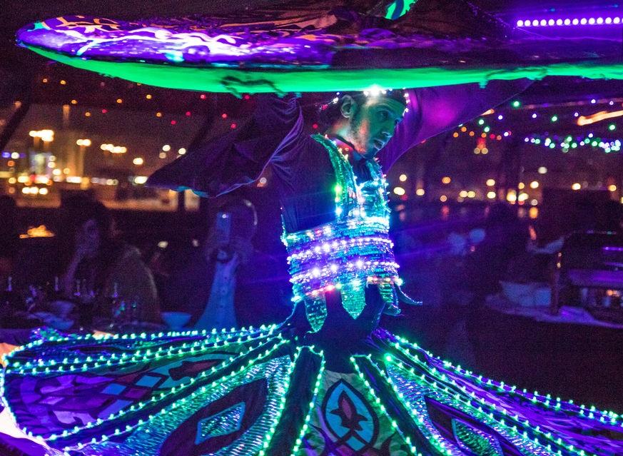 تور دبی : شام در قایق کروز 5 ستاره بر روی نهر دیره