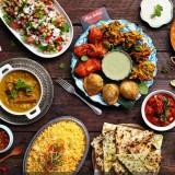 آیا شما هم با آداب عجیب و غریب کشورهای مختلف در هنگام غذا خوردن آشنا هستید ؟