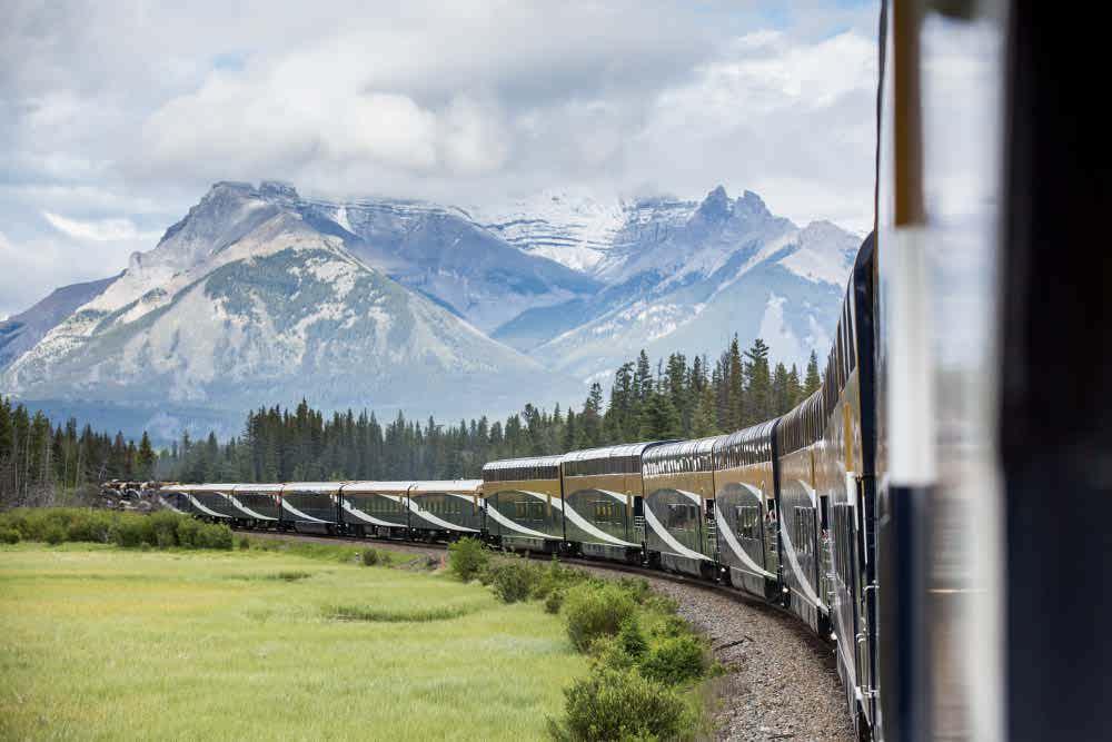قطار شیشه ای